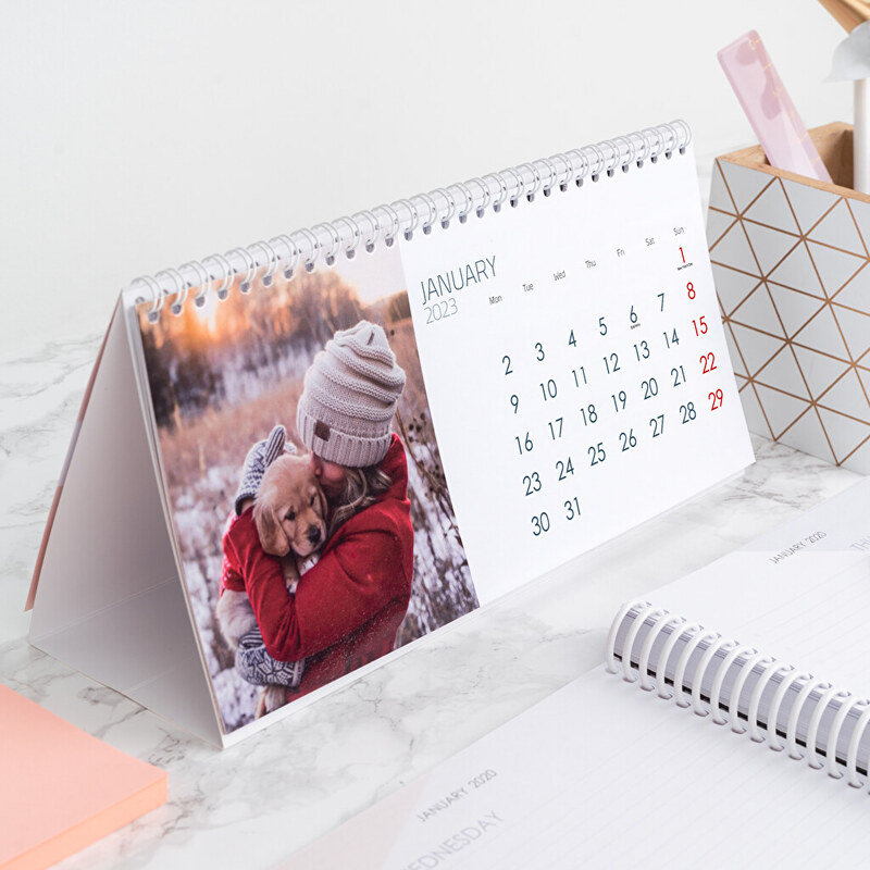 Customized table calendars